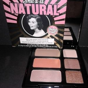 She's a Natural (Day and Night Face Palette)
